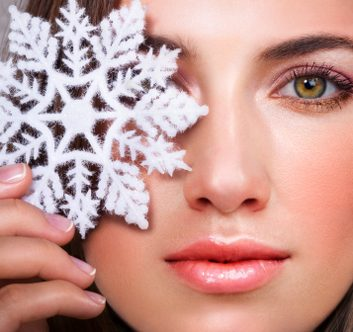 10 Holiday Beauty Must Haves
