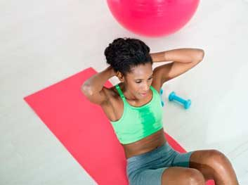 woman fitness crunches