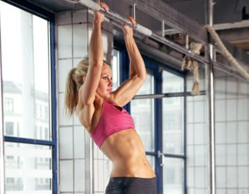 Is it true women can't do pull-ups?