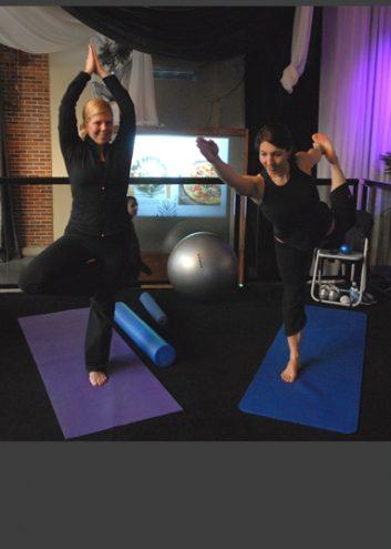 yoga-15001456.jpg