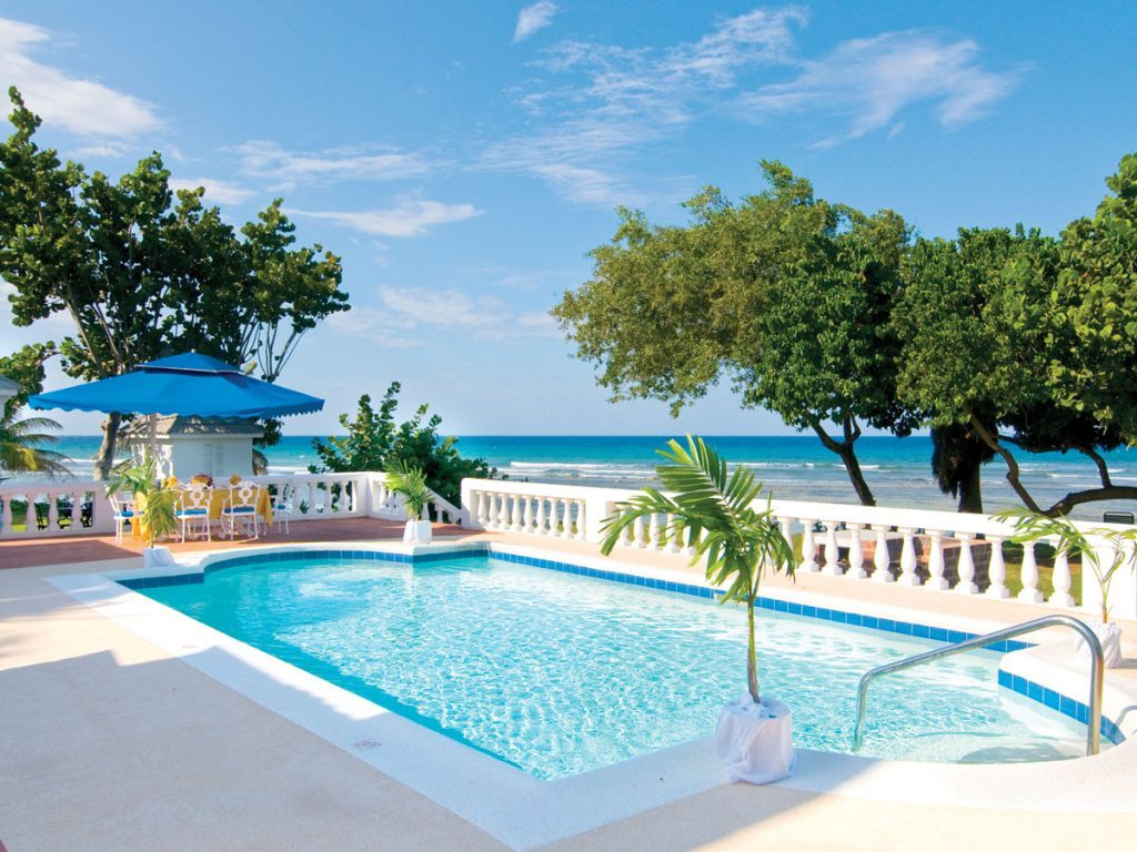 Half-Moon-Resort-in-Jamaica