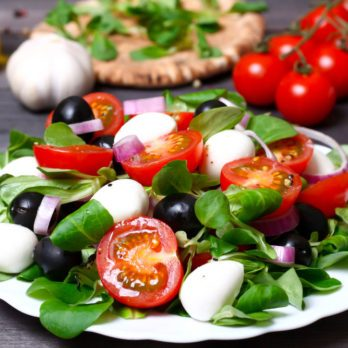How to Eat Greek: Our 7-Day Mediterranean Meal Plan