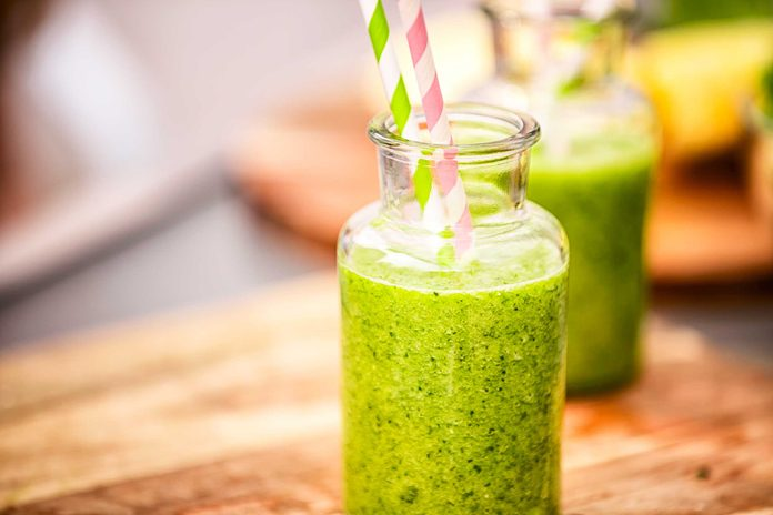 04-belly-bloating-fruit-smoothie