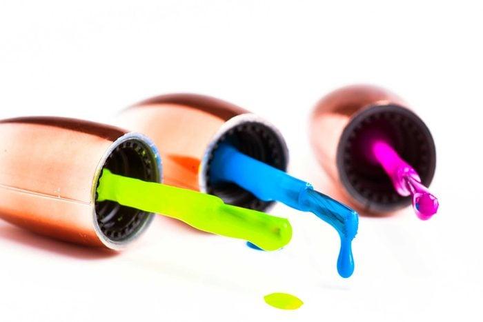 07-nail-color-neon