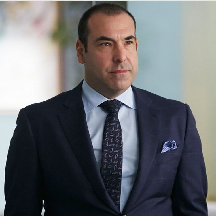 Rick Hoffman plays Louis Litt on Suits