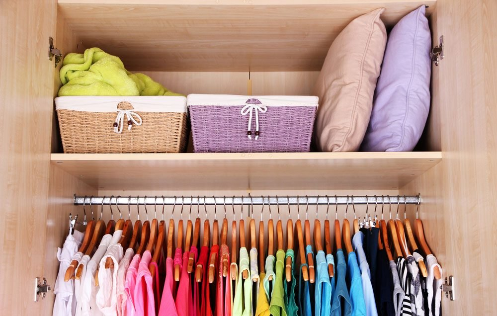 organizing-your-closet-baskets