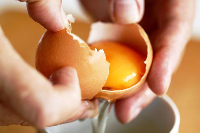 01-kitchen-shortcuts-egg-yolk