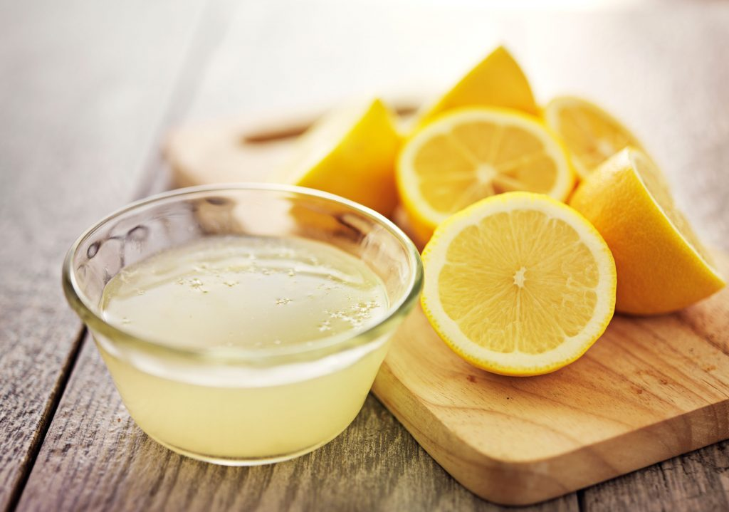 11-kitchen-shortcuts-lemon-juice