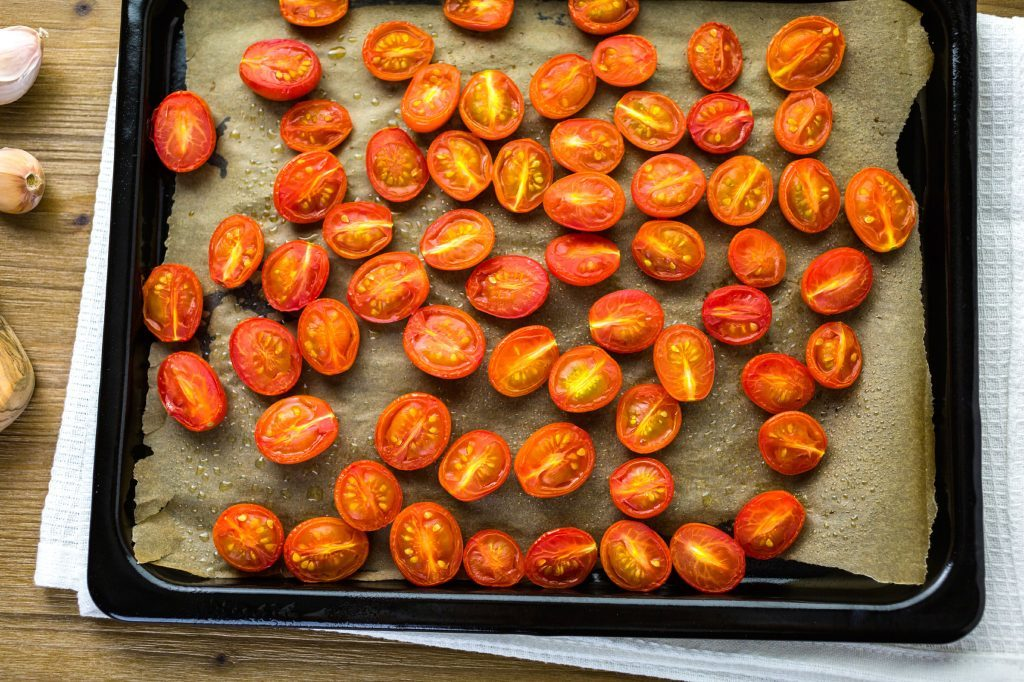 18-kitchen-shortcuts-cherry-tomatoes