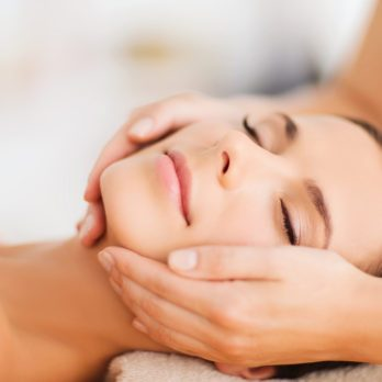 4 Easy Ways to Give Yourself a Facial Massage