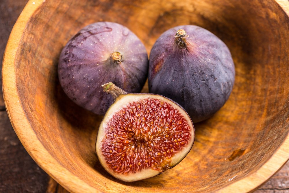 Figs-in-bowl