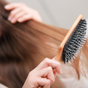 5 Tips For Taming Poofy, Frizzy Hair