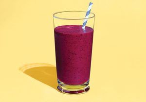 The Ultimate Berry Detox Smoothie