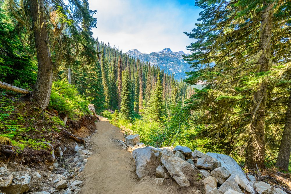 The Most Gorgeous Hiking Routes Across Canada