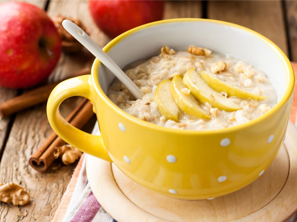 Oatmeal made with water is a good high-protein breakfast idea.