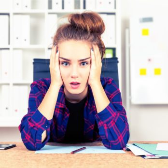 12 Telltale Signs You're More Stressed Than You Realize