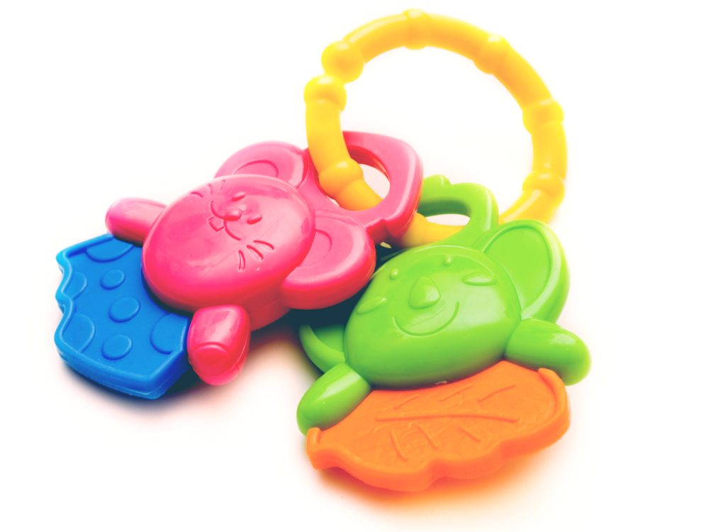 Reduce puffy eyes and dark circles with gel teething rings