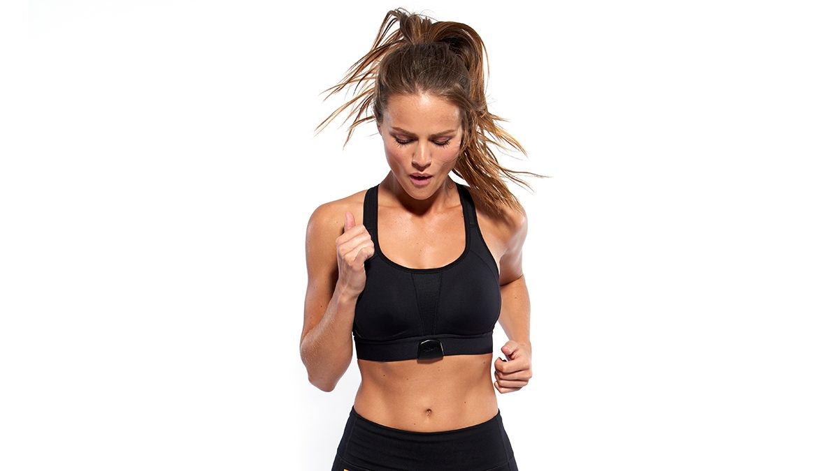 Lole smart bra, woman wearing the bra while running