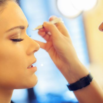 How To Get Gorgeous Bombshell Lashes