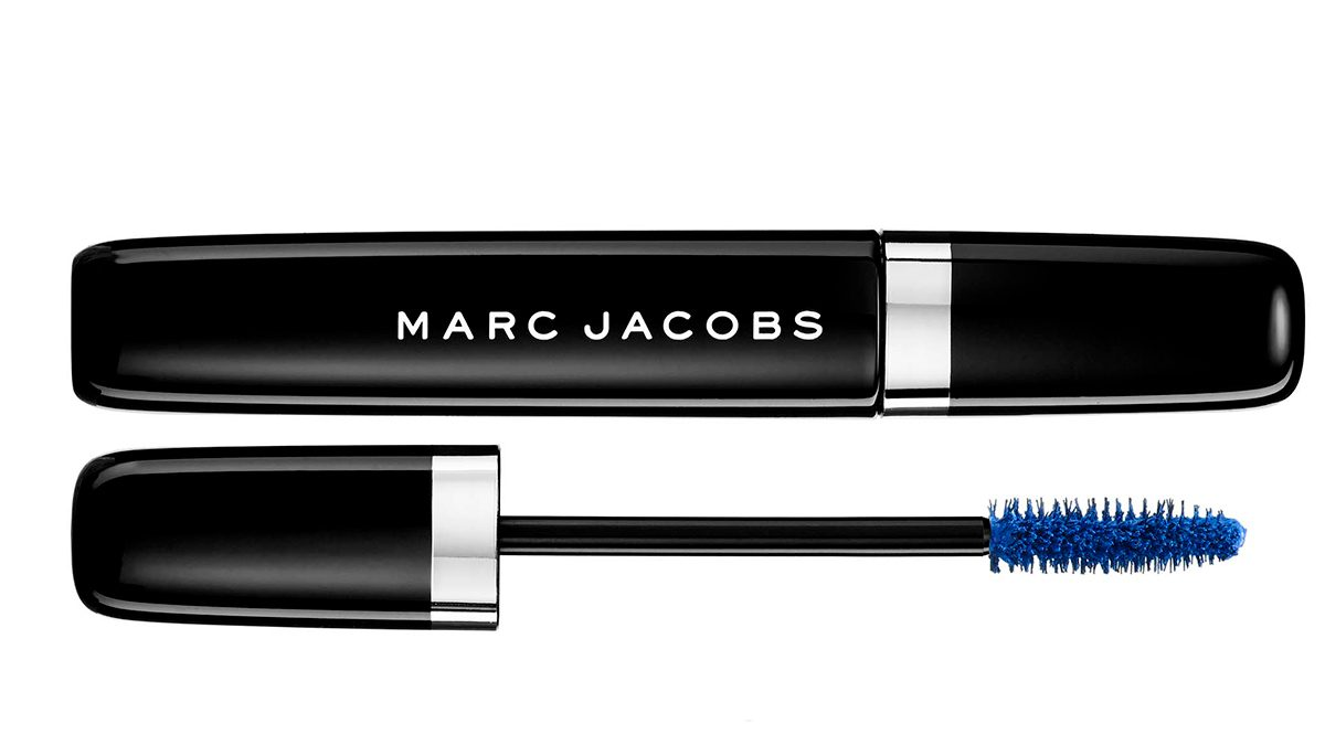 Bombshell lashes with marc jacobs mascara