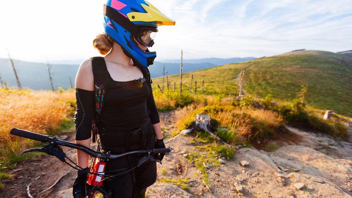 deal with injuries, mountaing biking woman