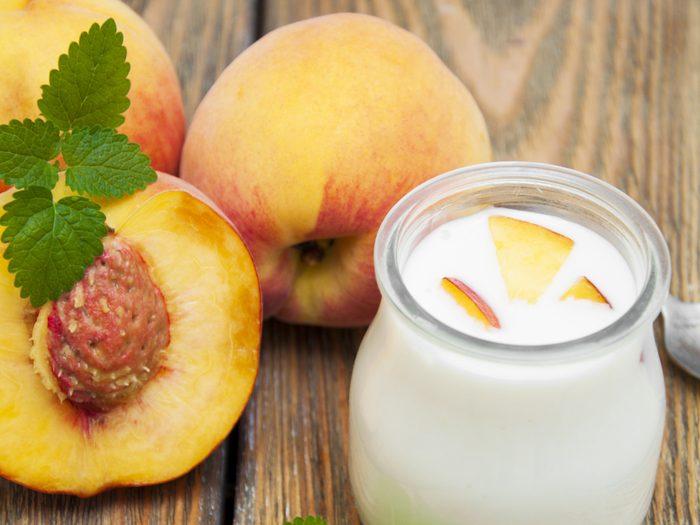 Peach and cinnamon yogurt bowl