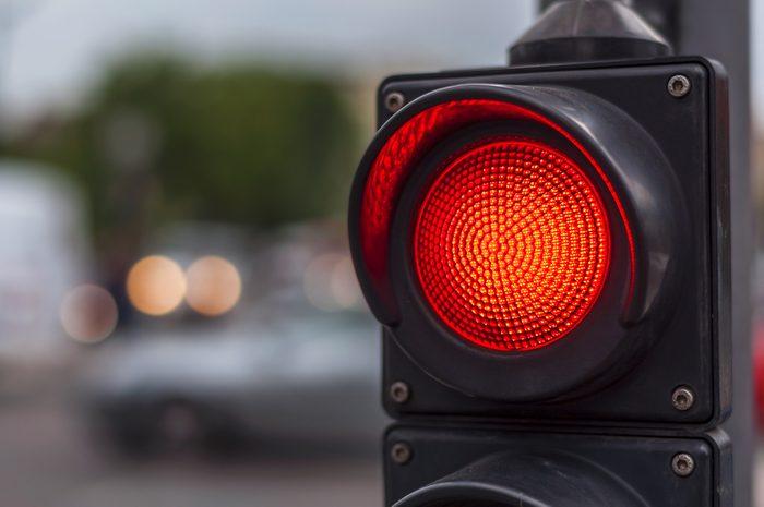 red traffic light_ stress-free commute