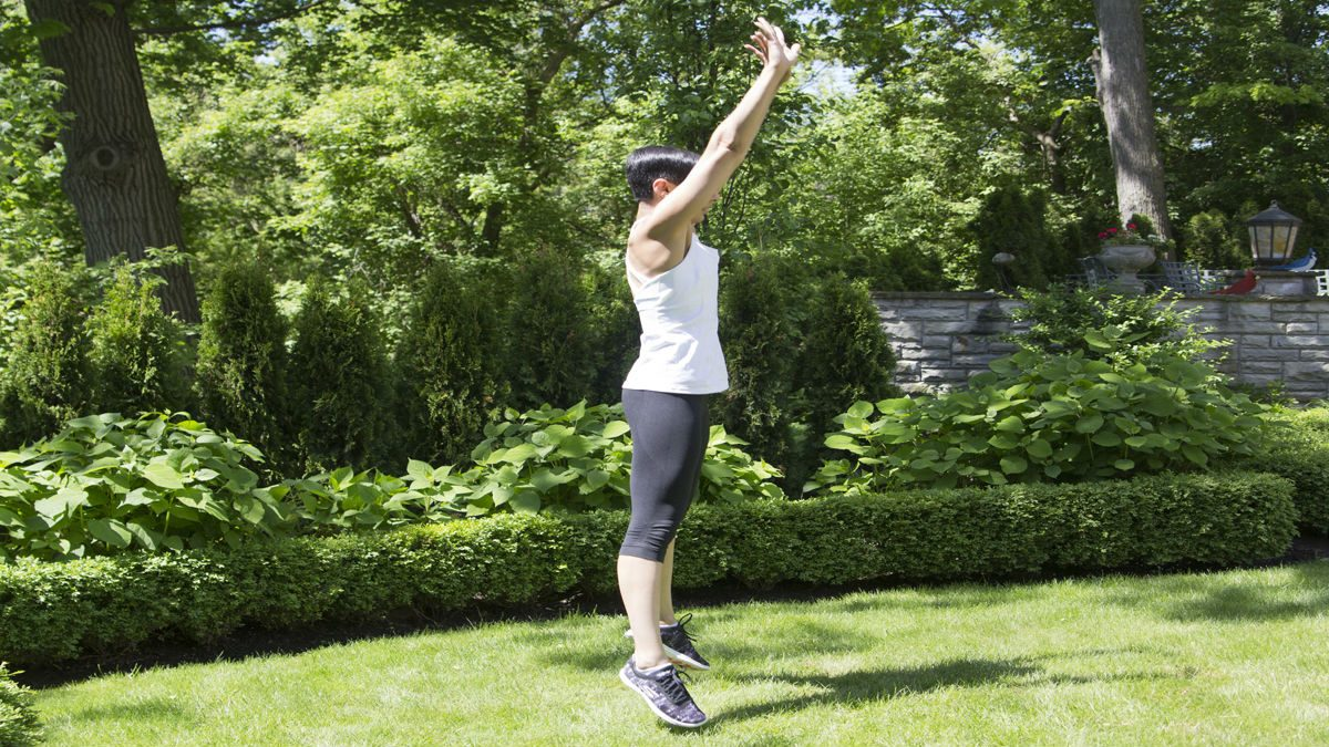 summer backyard workout burpees