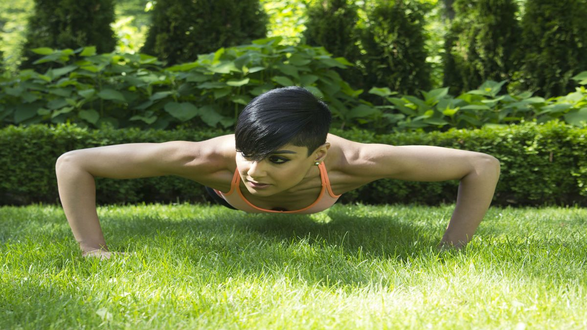 summer backyard workout wide pushups