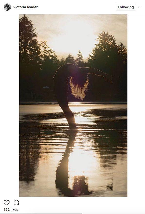 instagram yoga, yoga on the beach in Tofino