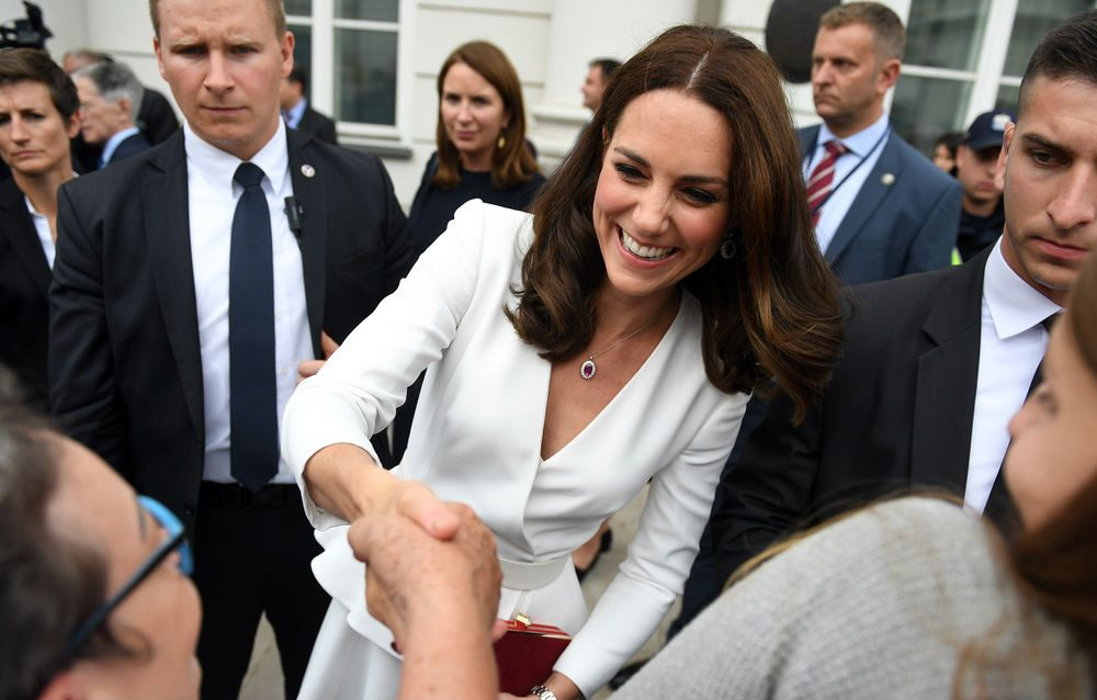 Princess Kate mental health, the Duchess of Windsor greeting the public
