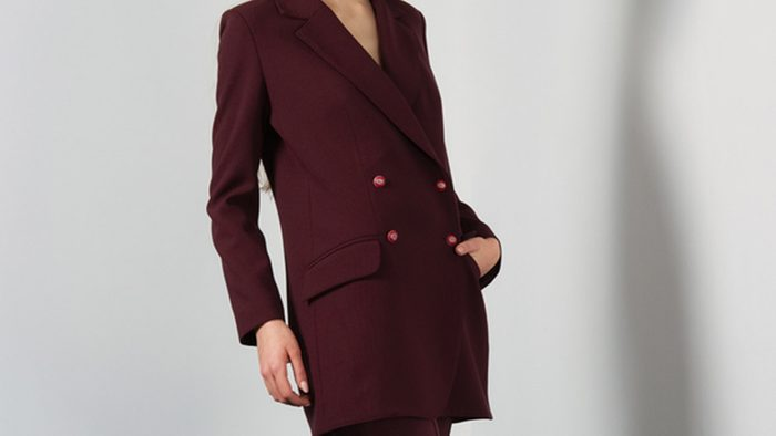 Revamp your fall wardrobe, woman in pantsuit