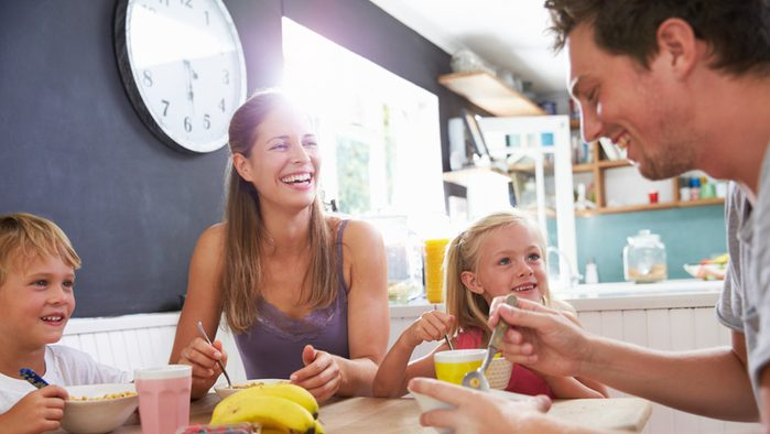 Weight Loss Tips, family eating at home