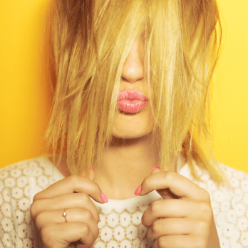 This Is The Right Way To Use Dry Shampoo