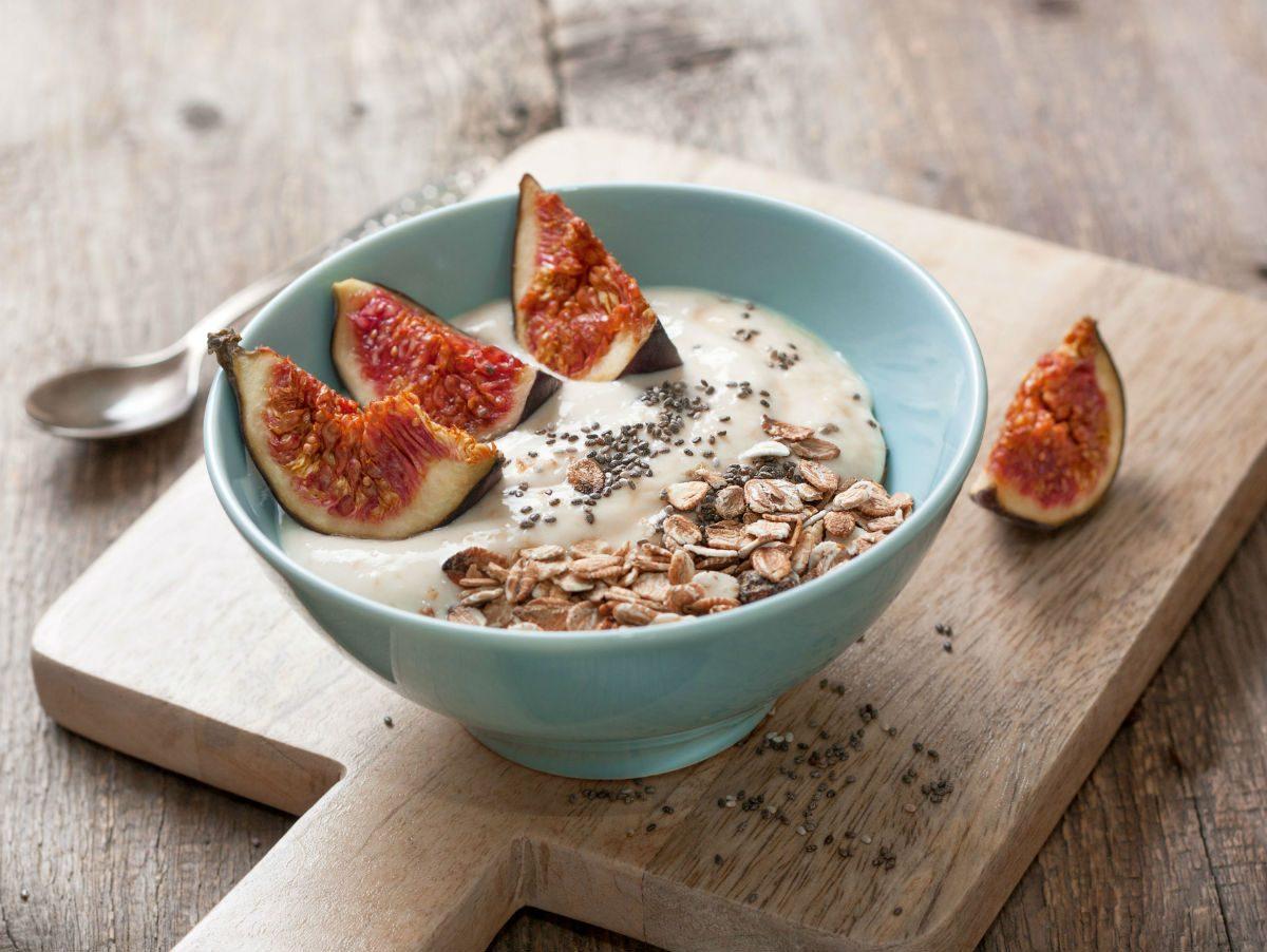 foods that fight colds probiotic yogurt