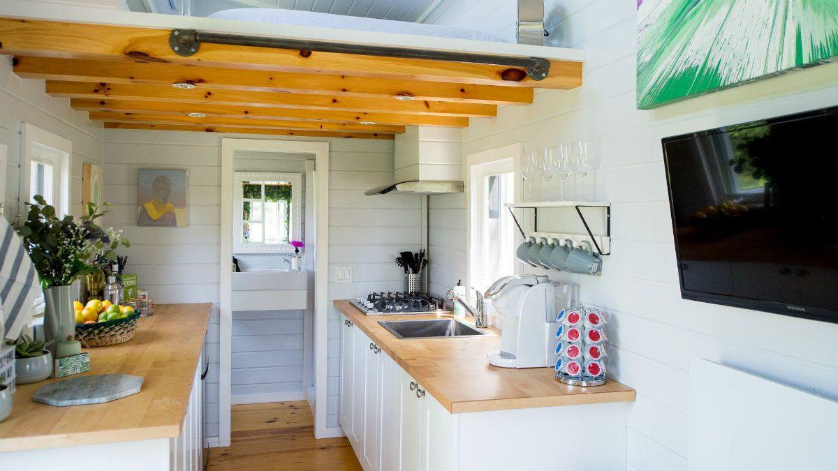 Dans une cuisine minimaliste, vous êtes plus susceptible de préparer vos repas vous-même avec des aliments frais.