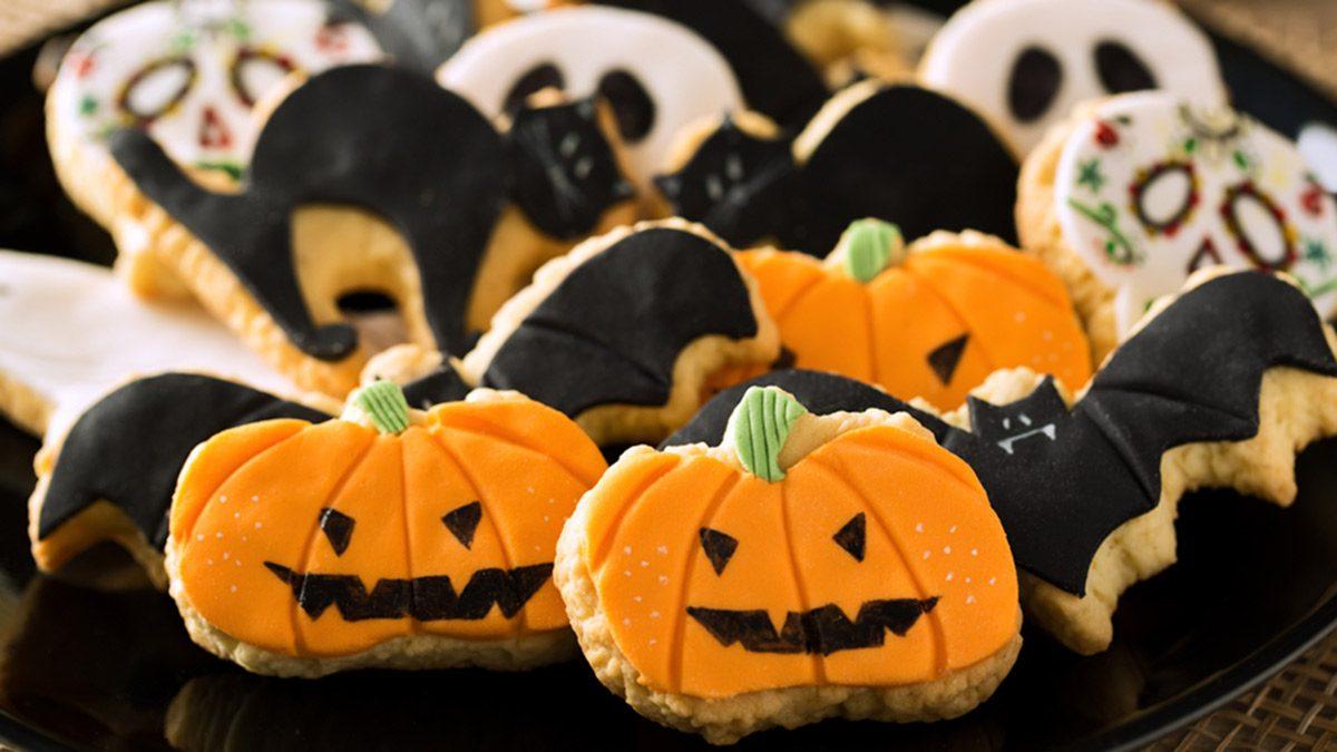 Halloween, cookies black and orange