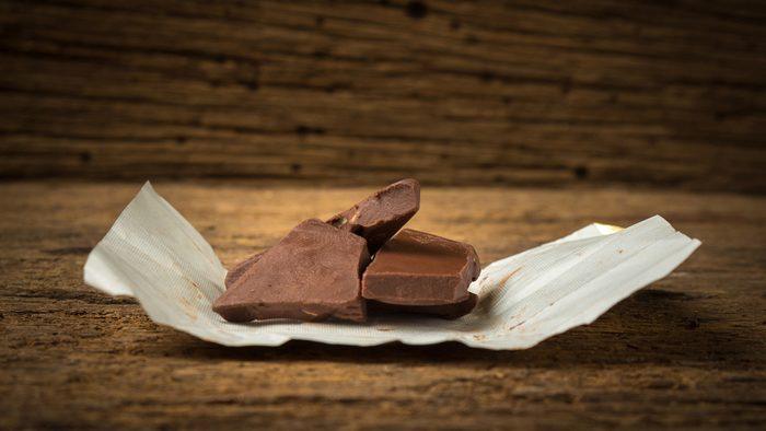 diet tips for sleeping, dark chocolate
