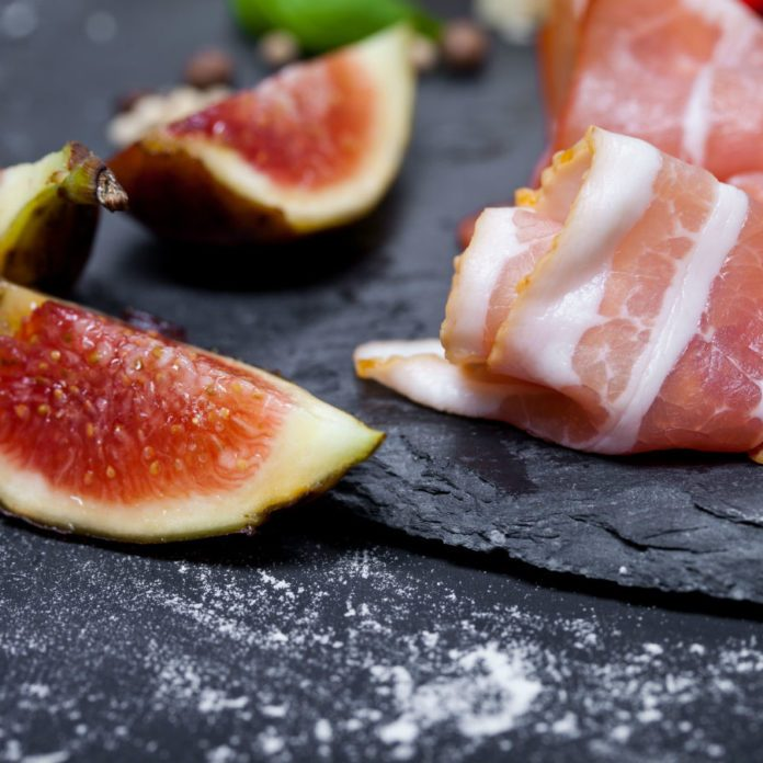 Last-Minute Appetizer: The Prettiest Walnut, Prosciutto and Fig Apps Recipe