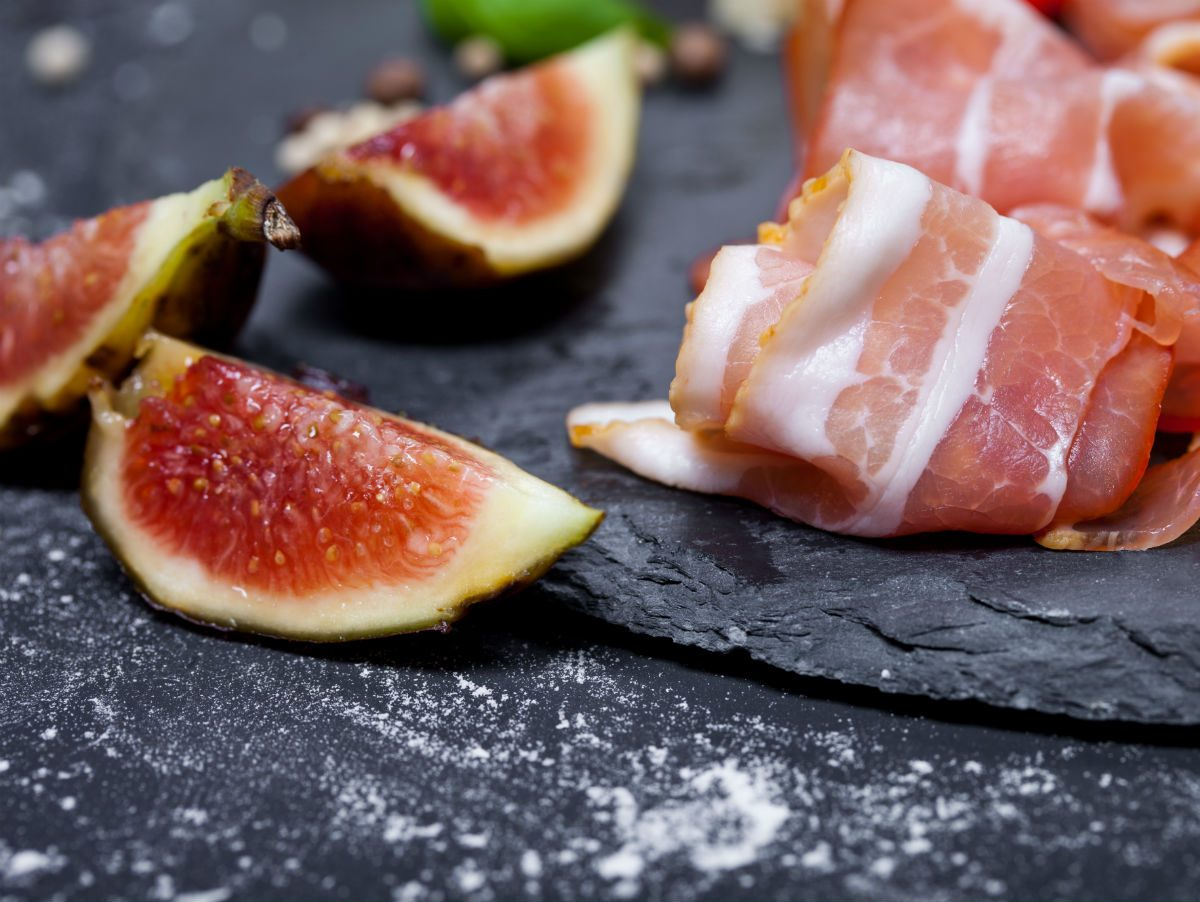 Fig app walnut prosciutto