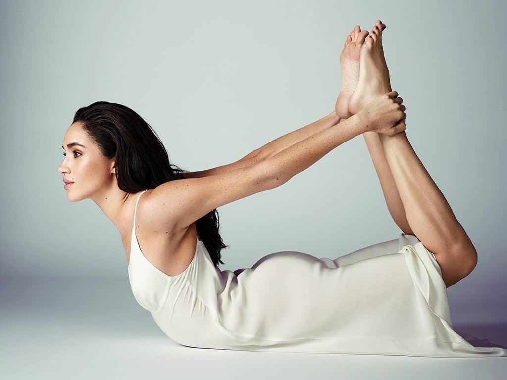 Meghan-markle-photos-yoga-bow-pose