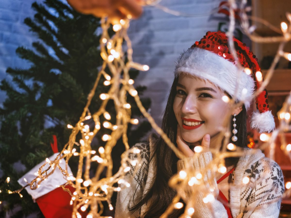 happier christmas decorations