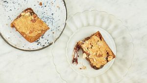 Healthy Way To Make Brownies: Almond & Smoked Salt Blondies