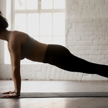 This Is Exactly How Long You Need to Hold a Plank to Flatten Your Belly