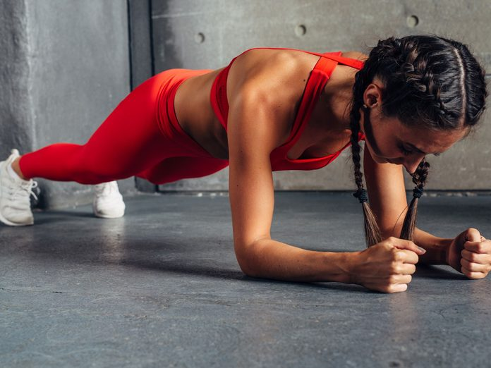 best arm exercises for women plank to push up