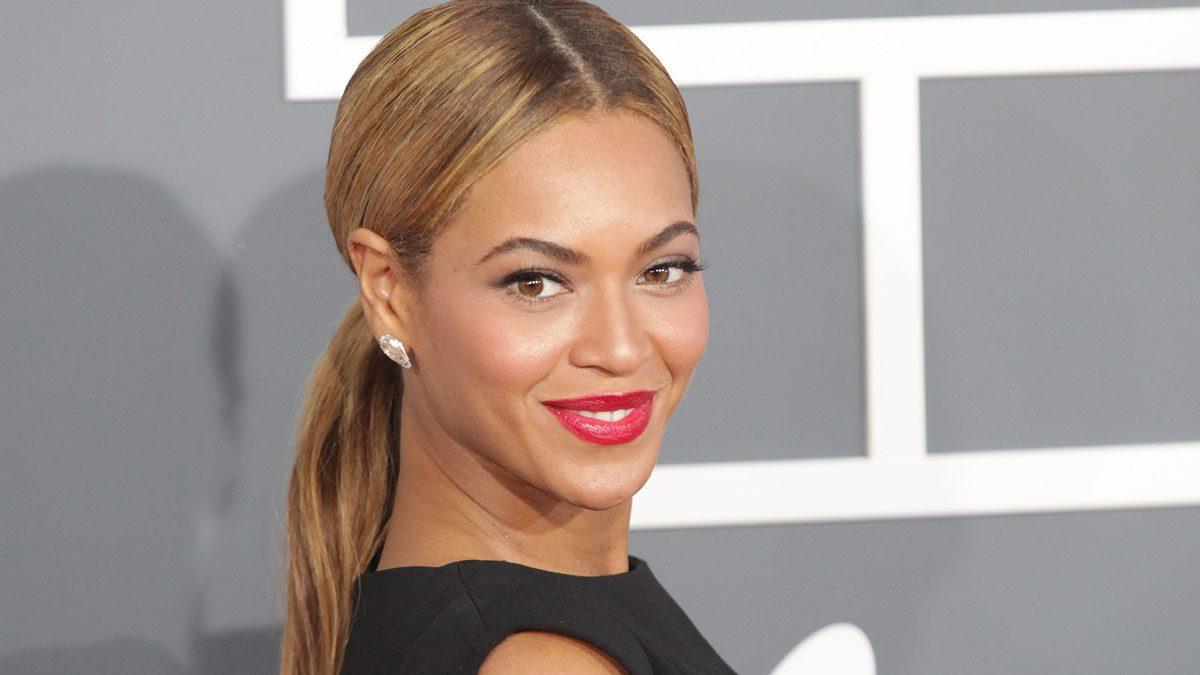 Beyoncé drinks lemon water