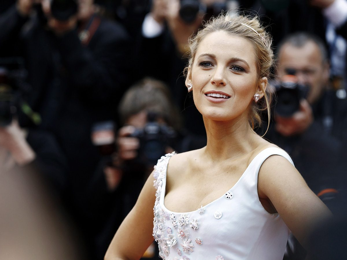 Blake Lively posing on the red carpet