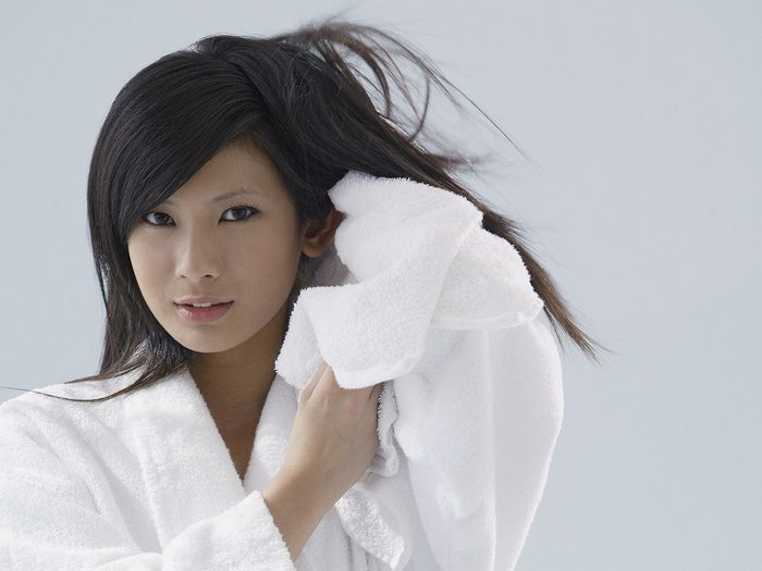 Blowout, Woman drying hair with towel