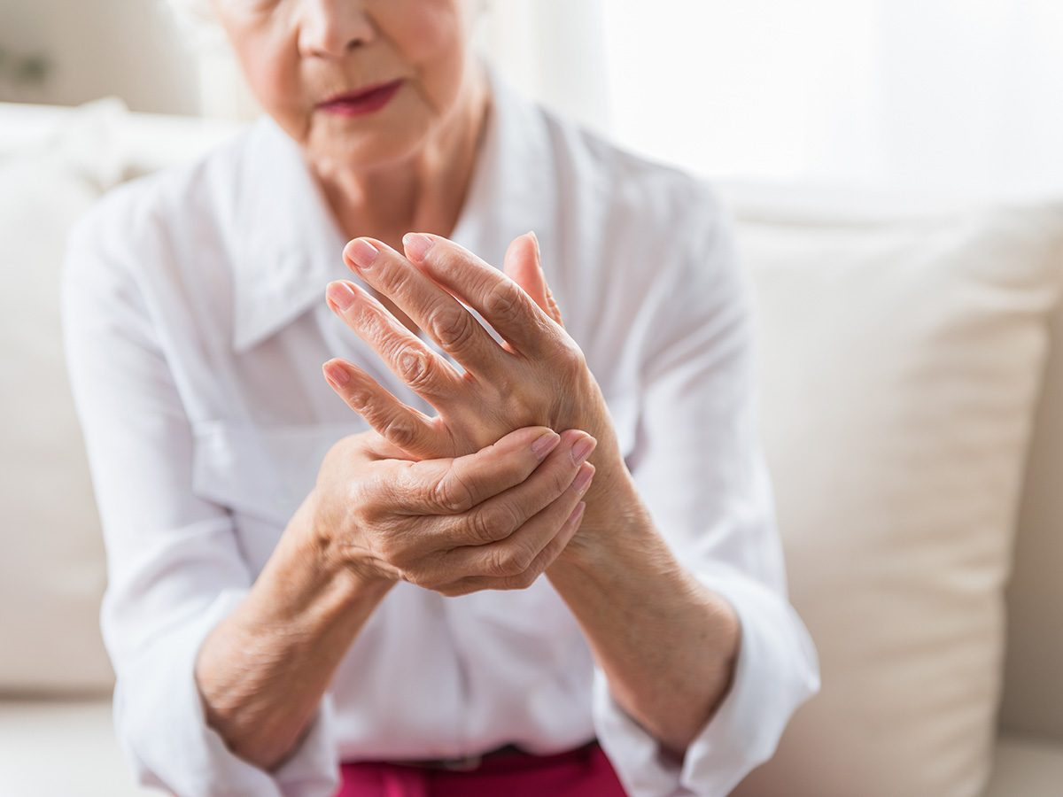 Green tea, An old woman with arthritis clutches her hands