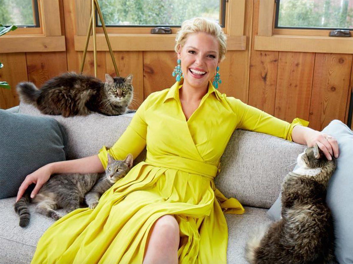 Katherine-Heigl-with-cats